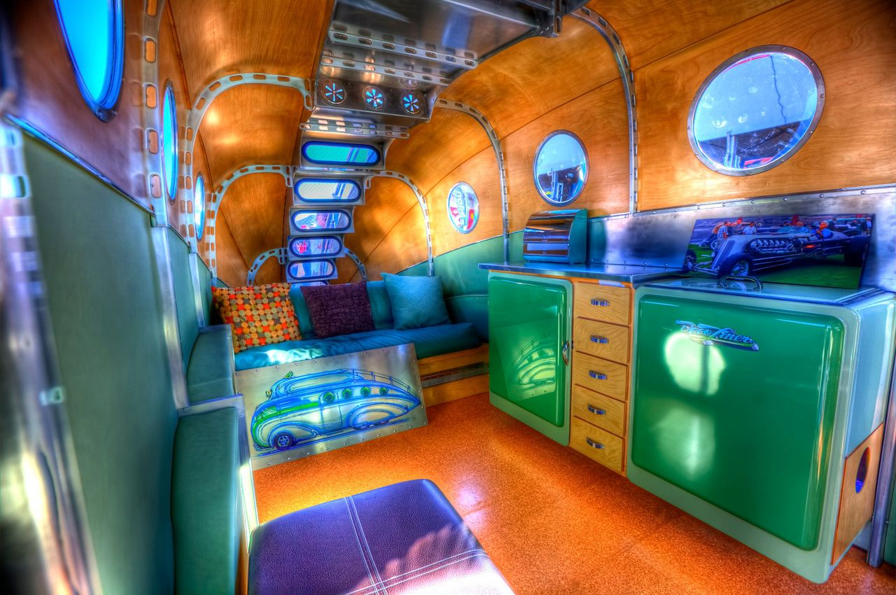 Inside the Deco-Liner - uber cool and over the top!