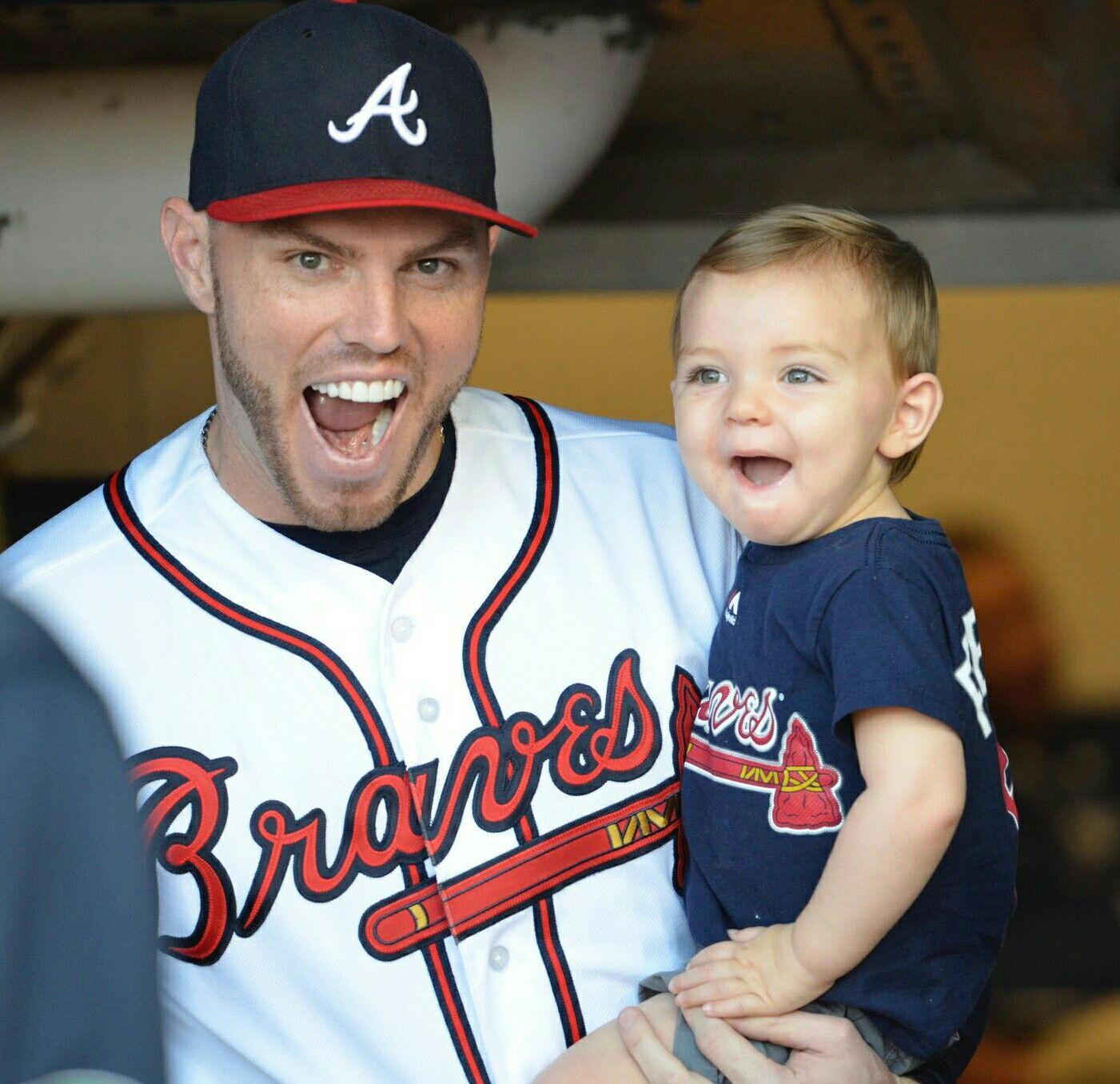 Freddie Freeman Great Ballplayer And Great Dad Atlanta Braves Baseball Atlanta Braves Braves