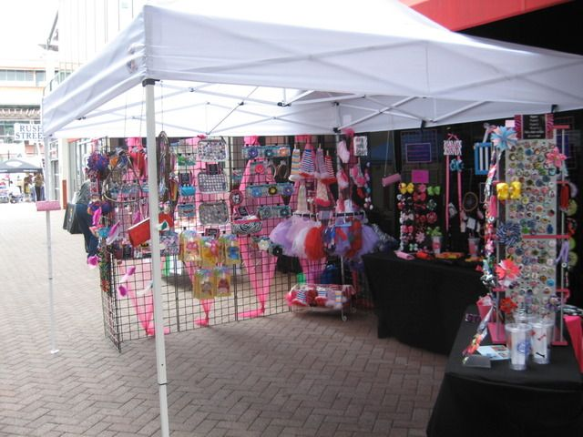 Grid Wall Is The Best Thing For A Craft Fair Booth Craft Show