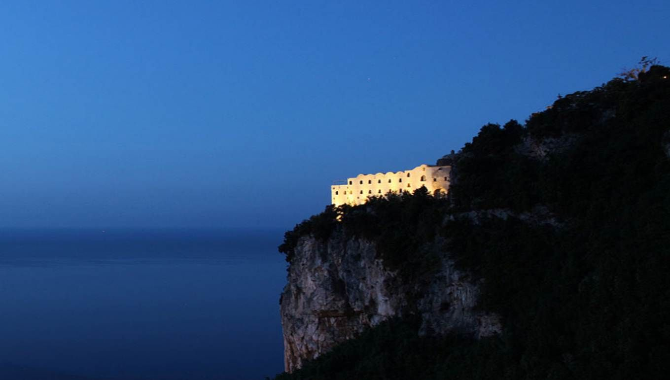 Hotel on the Italian Amalfi coast! Monastero Santa Rosa Resort.