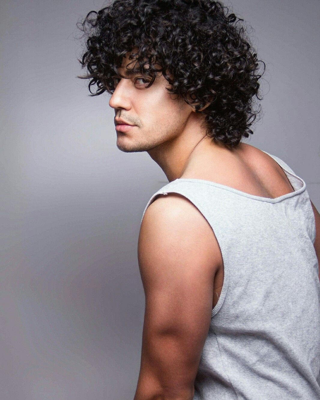 Black men curly haircuts curlyhair model sexy cheveuxboucle pelorizado modelo  ludwing