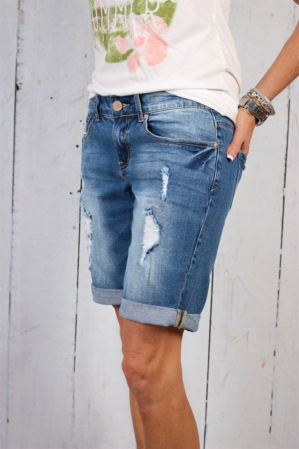 9684e1eae7 Bermuda Shorts Distressed | 4 Styles in 2019 | Women's Clothing ...