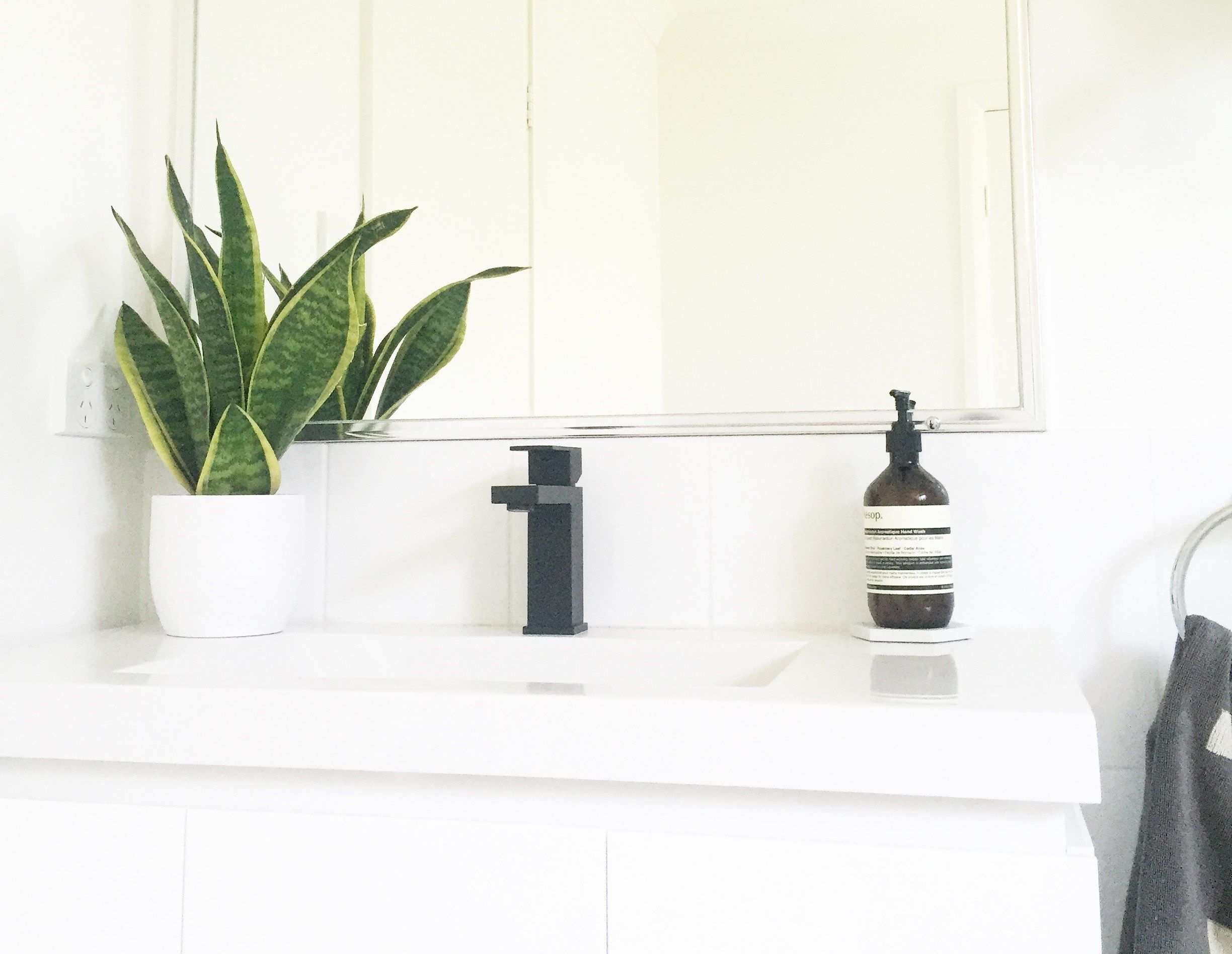Tapware Mixers, Sinks, Showers & Accessories Black