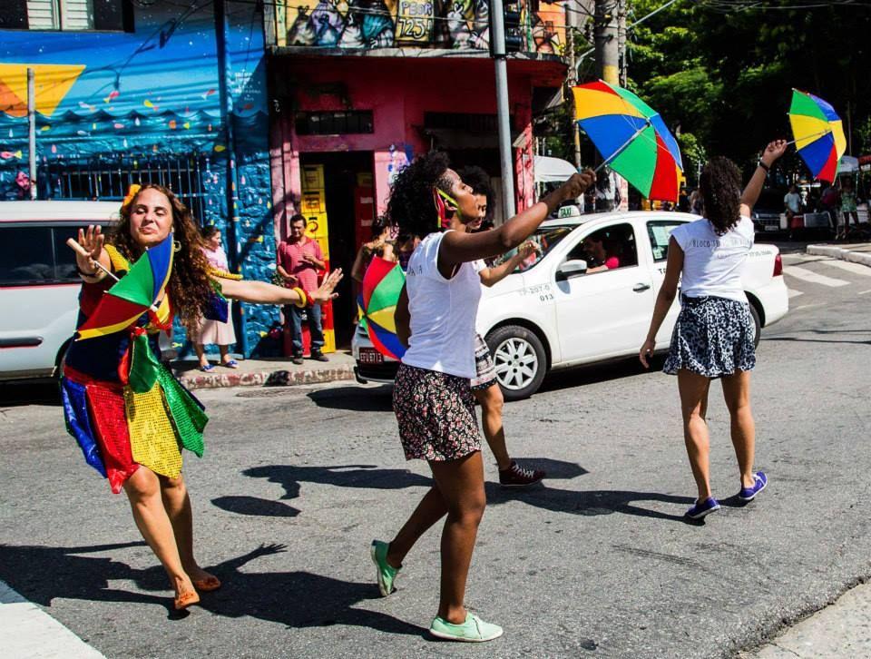 """o """"Programa Ruas Abertas"""" leva à diversos bairros da capital paulista atrações como bloquinhos pré-carnaval, concertos musicais, atividades para as crianças à moda antiga e muito mais."""