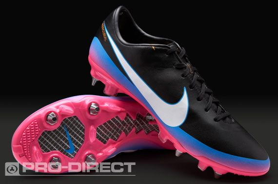 nike football boots old