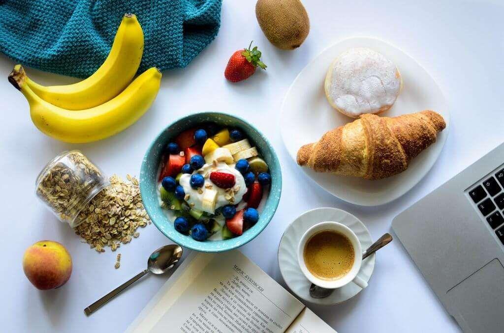 30 Desayunos Ligeros Para Perder Peso Adelgazar En Casa Desayuno Saludable Dieta Desayuno Saludable Para Bajar De Peso Comida Sana Recetas