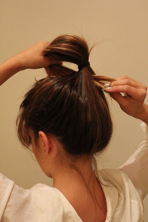 easy hair updo styling pinterest frisuren messy bun anleitung und frisuren einfach. Black Bedroom Furniture Sets. Home Design Ideas