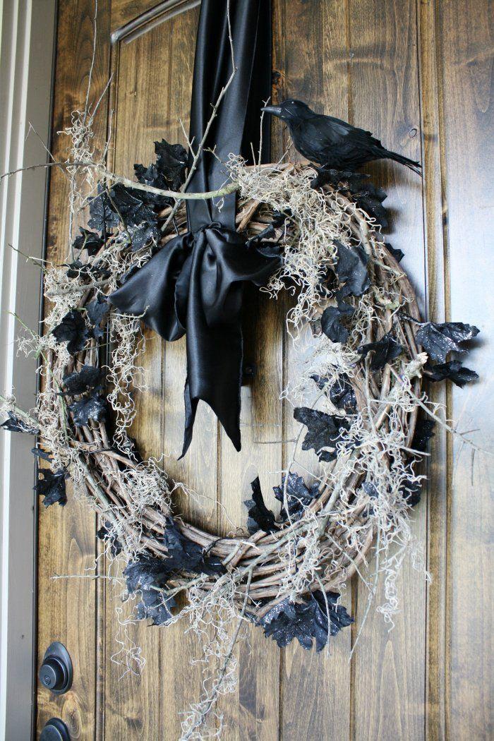 7 Halloween Decoration Ideas for Your Front Door Spooky halloween