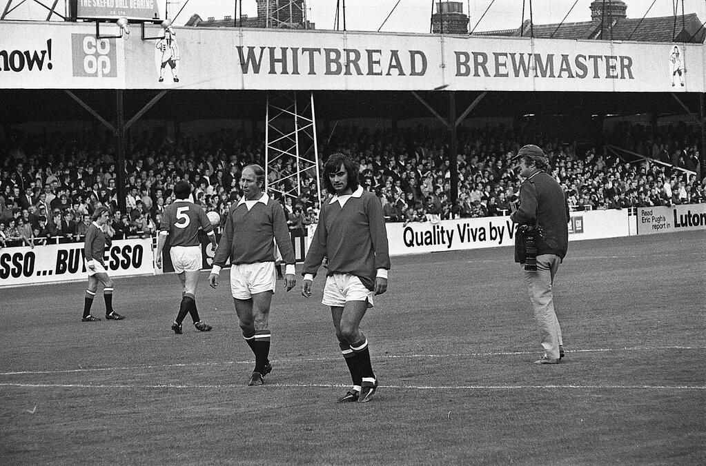 Bobby Charlton George Best Before A Pre Season Game V Luton Town At Kenilworth Road