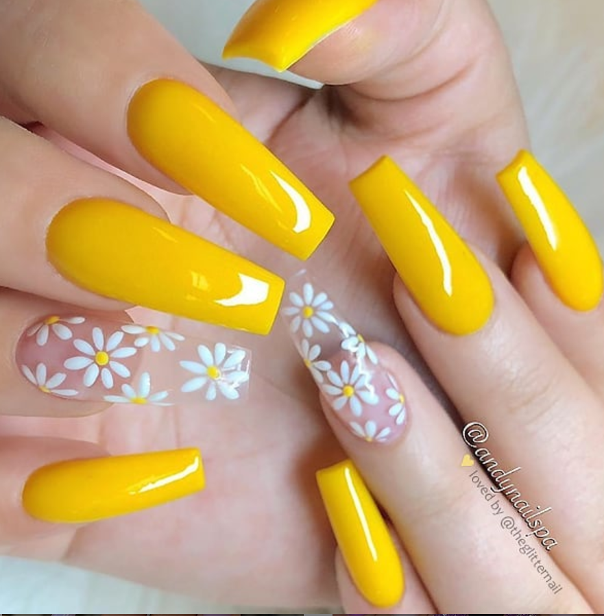 60 Gorgeous Natural Yellow Acrylic Nails Design Spring Summer In 2019 Acrylic Nails Yellow Yellow Nails Design Sunflower Nails