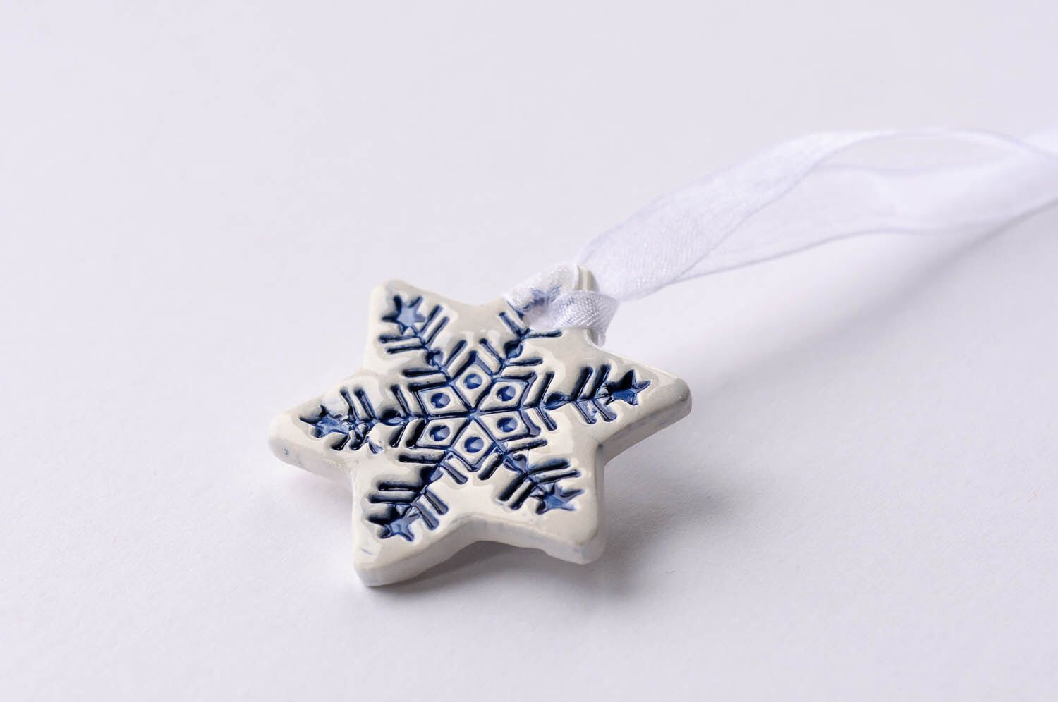 White ceramic Christmas decorations, star ornament, star gift tags, Set of 3, 5 or 10 by islaclay on Etsy https://www.etsy.com/listing/202770027/white-ceramic-christmas-decorations-star