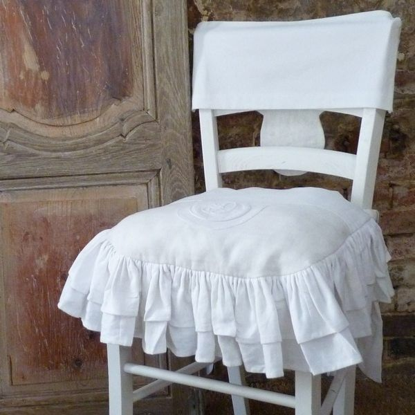 Mod le galette de chaise volantee bouts de tissus en - Modele galette de chaise ...