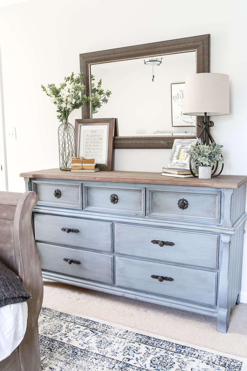 Blue Cottage Style Guest Bedroom Makeover Reveal is part of Guest bedroom makeover - A dark and dated guest bedroom gets a cottage style makeover with serene shades of blue using Craigslist furniture and budgetfriendly finds  guestbedroom bedroommakeover diybedroom budgetbedroom bedroomdecor