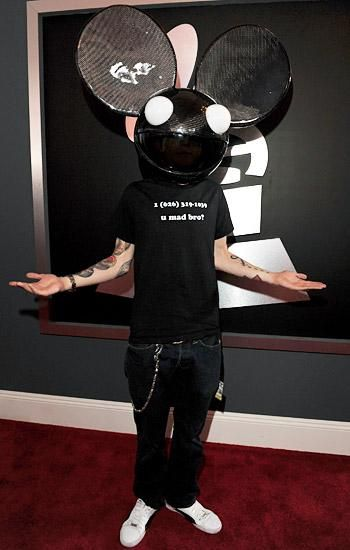 deadmau5 wears skrillexs cell phone number on grammy red