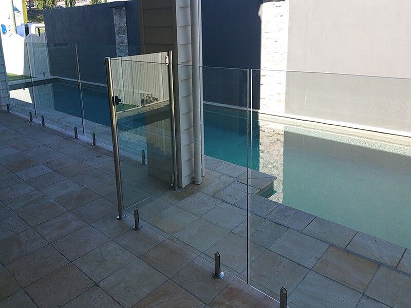 Suspended Medium Glass Pool Fencing Glass Fence Pool Fence
