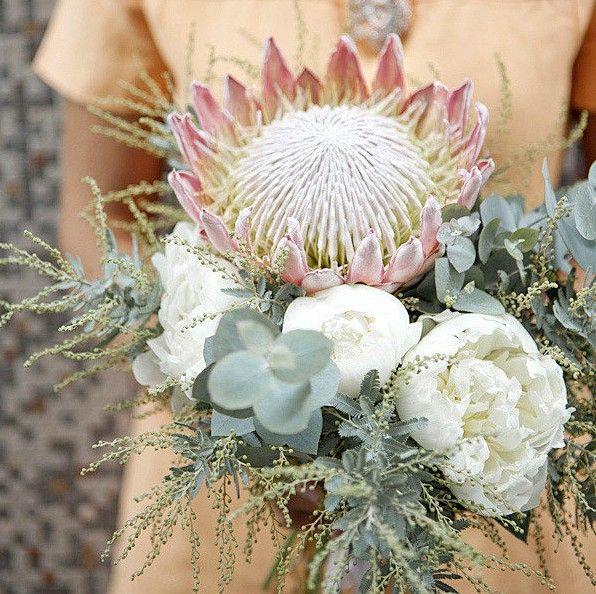Floral and Bouquet Inspiration from http://bouquet-bouquet.com #flowers #bouquet #succulent