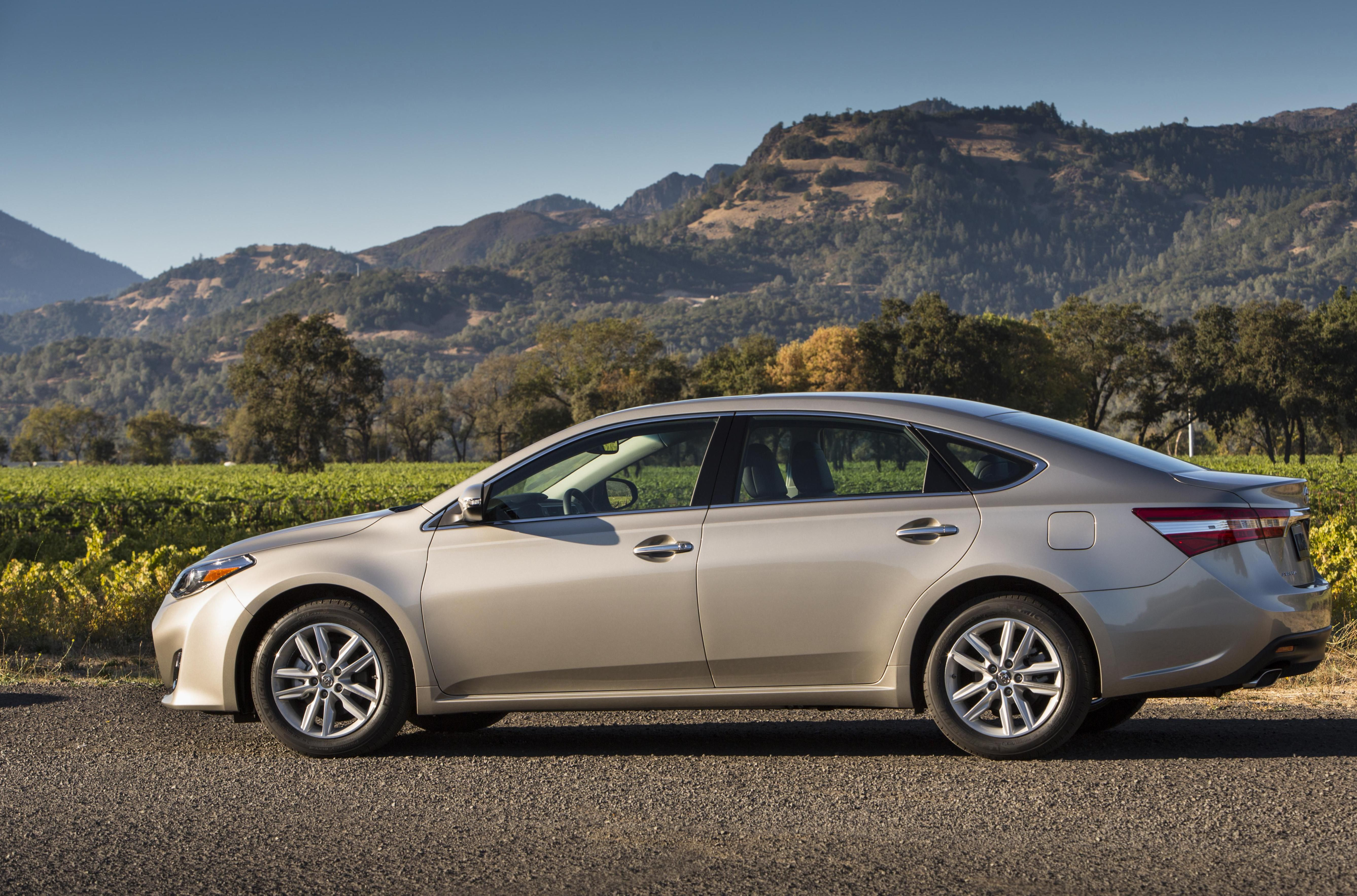 Toyota Avalon Hybrid Photos And Specs Photo Lease 22 Perfect Of