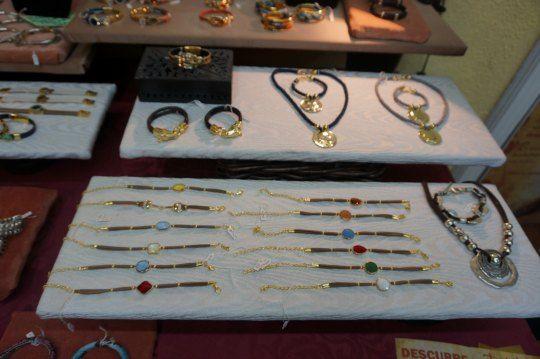 Davinci Tienda Joyeria Calle del Pez, 38-40 Metro: Noviciado Teléfono: 911 405 714 Web: http://www.davinci.es/index.html