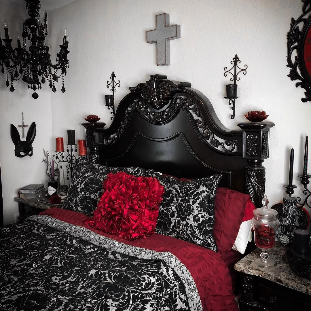 Bedroom Aesthetics Are Shaping Up Quite Nicely I Think Gothicbedroom Gothicstyle Gothichome Gothicdecor Goth Home Decor Gothic Home Decor Gothic Bedroom