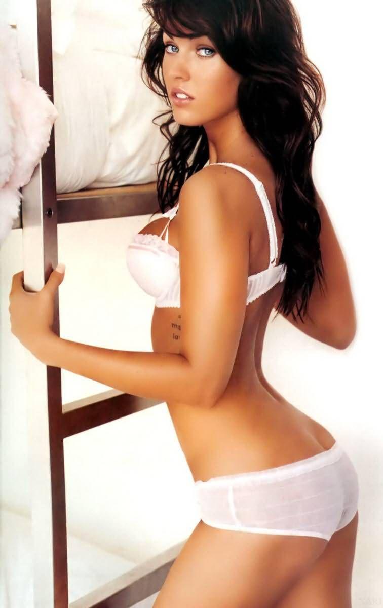 Megan Fox sex megan fox. If my body looked like this I'd never wear clothing lol