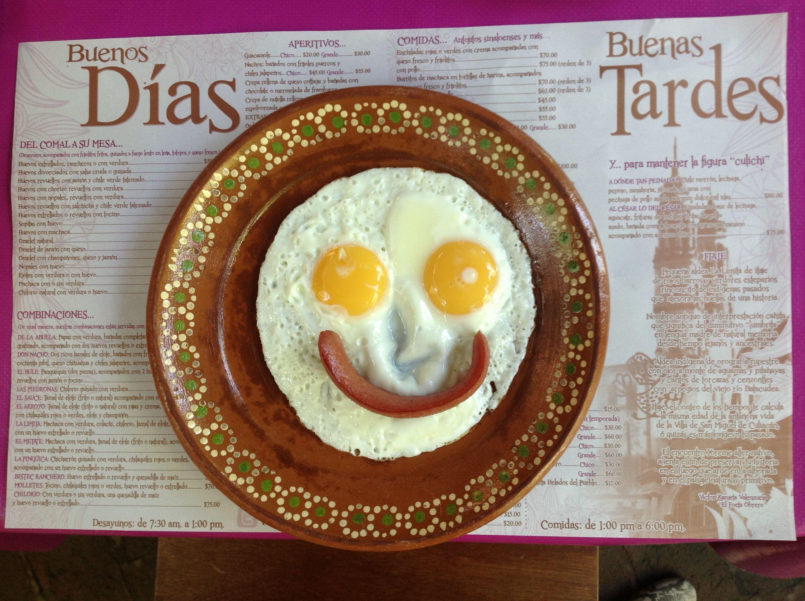 Sonrisa, desayuno, huevos estrellados