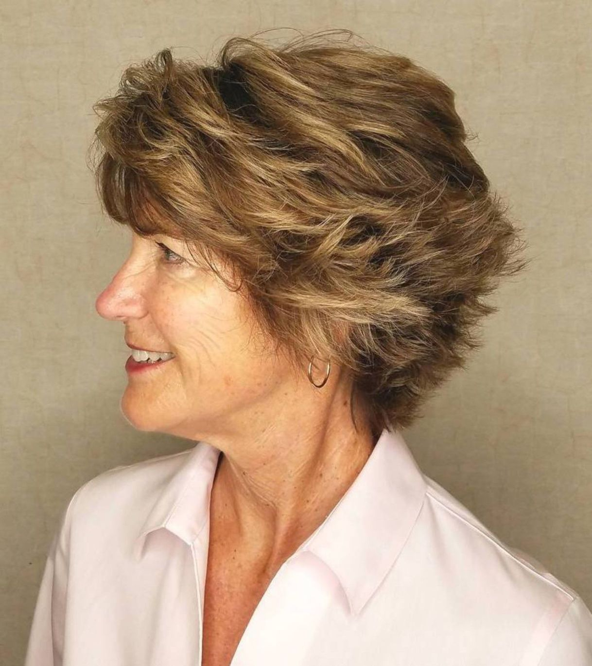 Short Choppy Hairstyle For Thick Hair Short Hair Styles Choppy Hair Thick Hair Styles