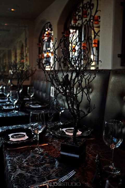 Love The Black Twiggy Tree With The Black Leather Chairs