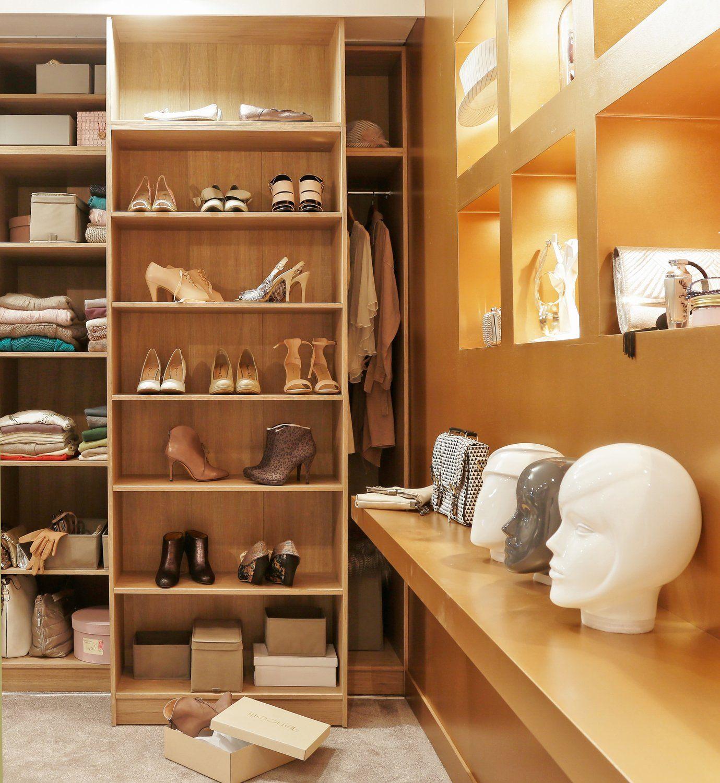 caisson spaceo pour un dressing digne d 39 une boutique chic. Black Bedroom Furniture Sets. Home Design Ideas