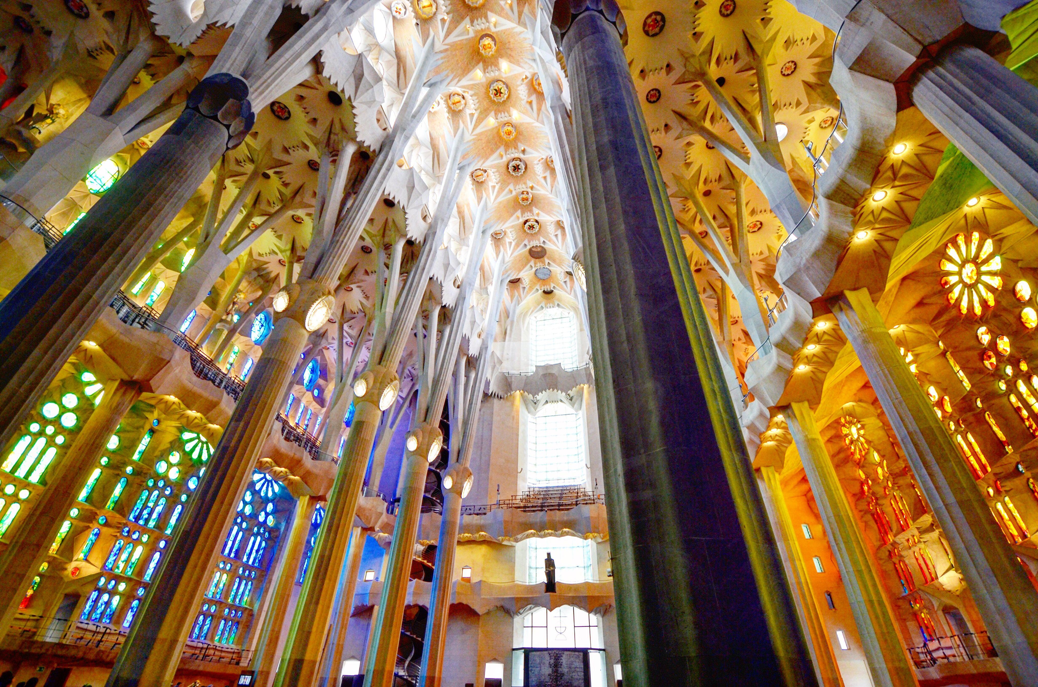 Inside la sagrada familia in barcelona spain so bright for La sagrada familia inside