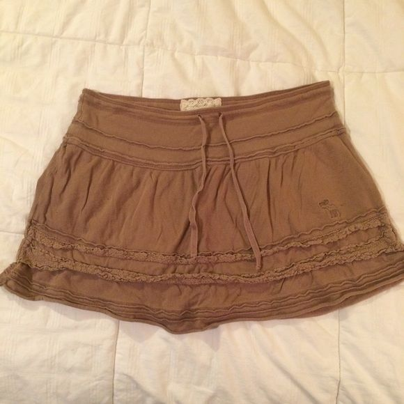Brown A&F Skirt Size medium skirt from Abercrombie and Fitch. Tie waist band Abercrombie & Fitch Skirts Midi