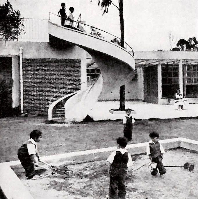 Zona de juegos centro materno infantil maximino vila for Calle prado camacho 8
