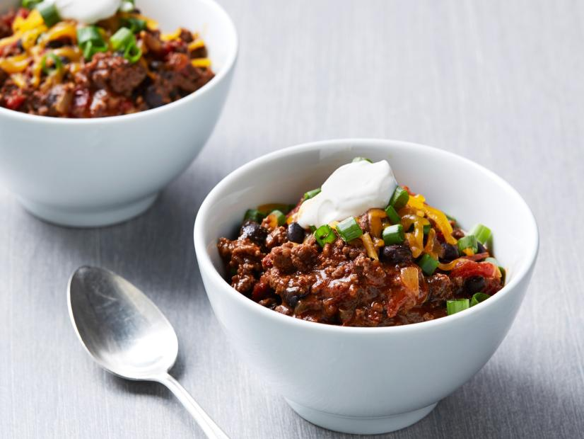 Quick Spicy Chili Recipe In 2020 Food Network Recipes Beef Recipes Recipes