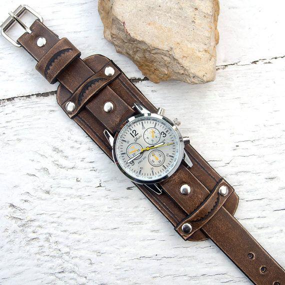 bbd9970713a3 Reloj de cuero para hombre cuero rústico marrón antiguo reloj