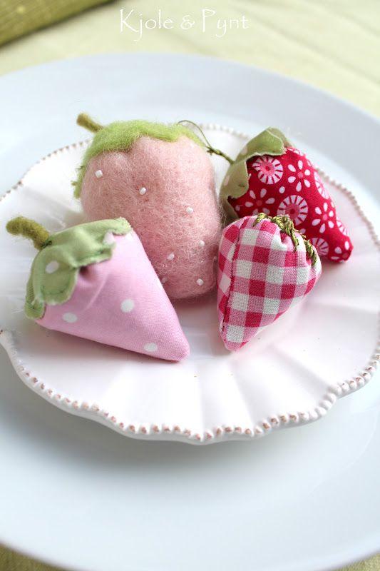 Erdbeeren selbstgenäht * DIY strawberrys auf seidenfein.blogspot.com