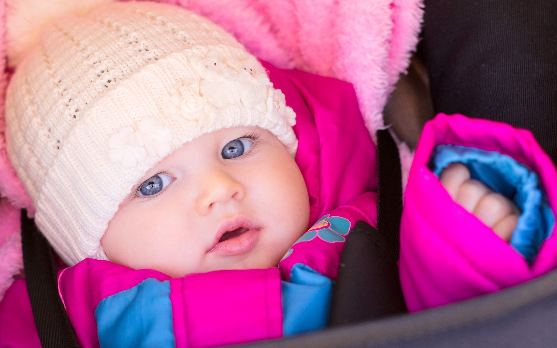 Cute Baby With Hat Wallpapers: Cute Baby HD Wallpaper