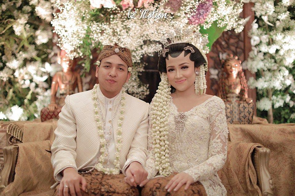 Pernikahan Jawa Modern Ala Vania Dan Abi Indonesian Traditional