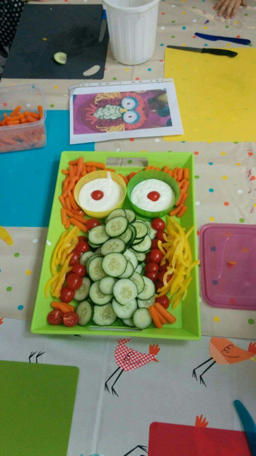 Eule aus Gemüse für Kinder