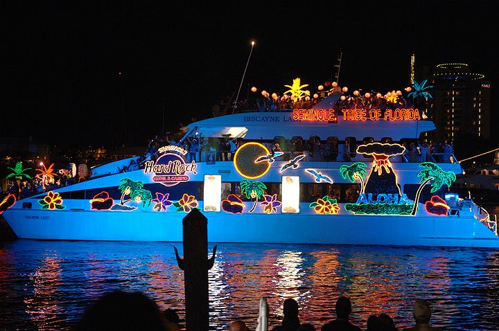 Florida Boats Of Lights | Winterfest Boat Parade Top Spots To See Christmas  Decorations
