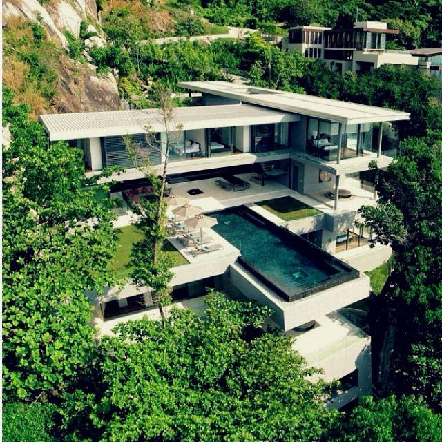 Cool Modern Mountainside Mansion