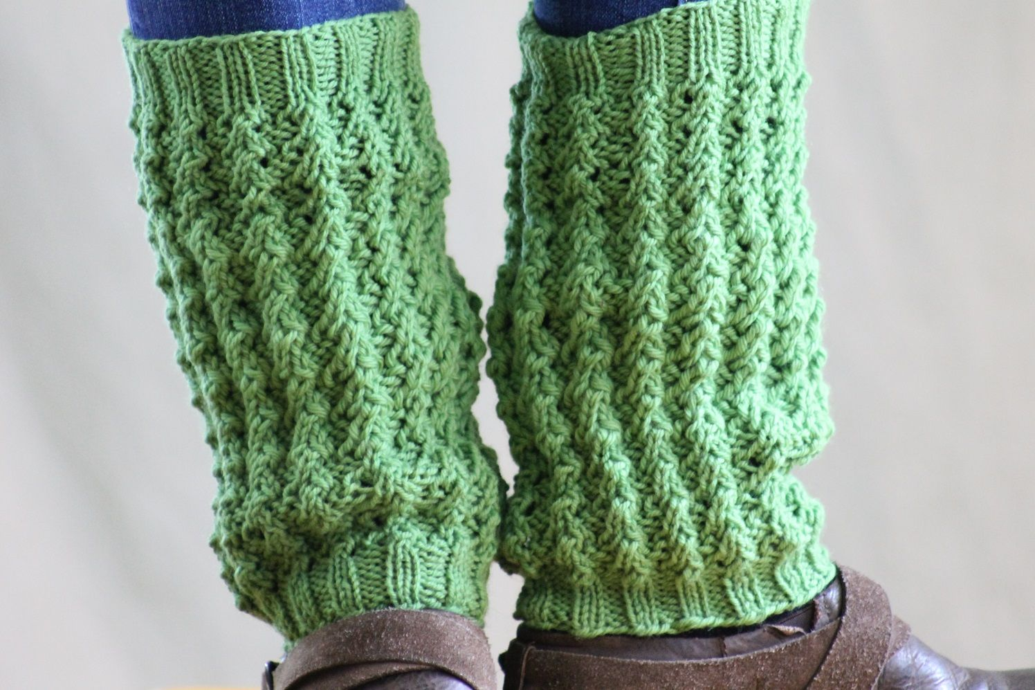 Free Knitting Pattern - Legwarmers: Gradated Rib Leg Warmers ...