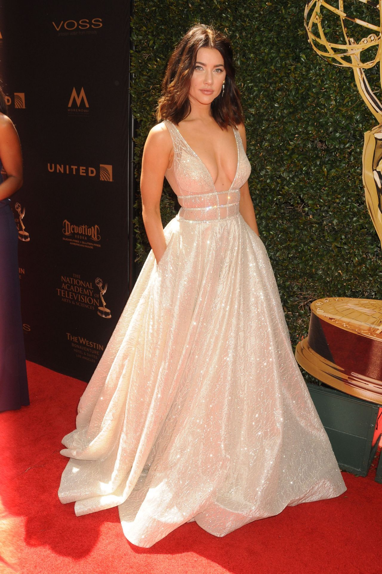 Pin by Belle Dame on cinderella time | Pinterest | Prom, Red carpet ...