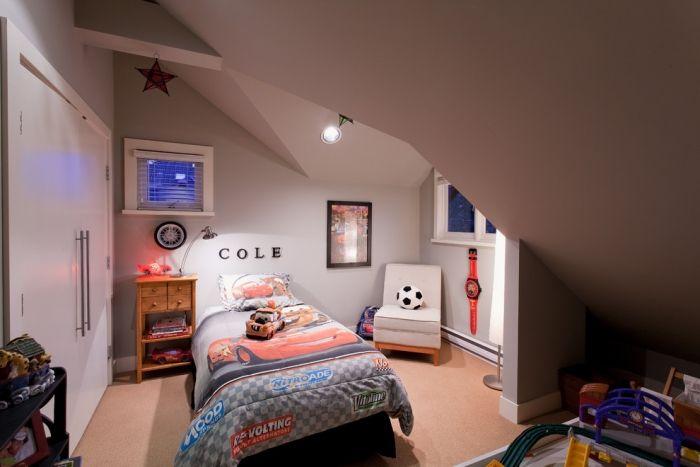 Kinderzimmer Dachschräge ~ Jugendzimmer mit dachschräge gestalten platzsparend kleiderschrank