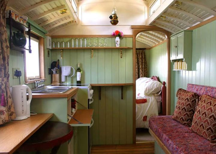 Going smaller. Great use of a small space. | Campers | Pinterest ...