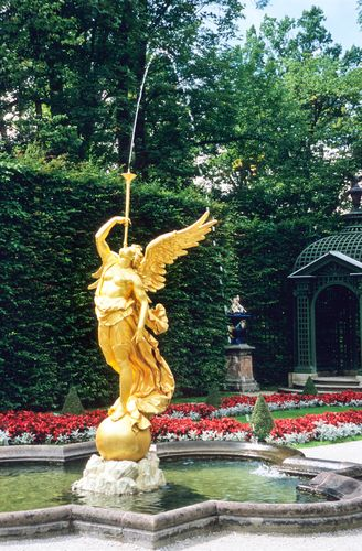Gold Fountain At Linderhof Schloss Germany Castles Pictures Of Germany Landscaping With Fountains