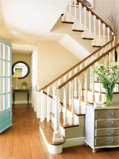 Recibidores peque os con buenas soluciones recibidores for Soluciones para escaleras