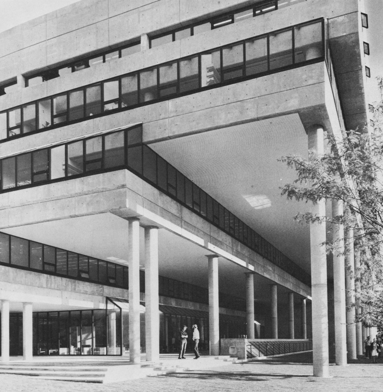 George Gund Hall, Harvard University, Cambridge, Massachusetts, 1972 (John Andrews, Anderson, Baldwin)