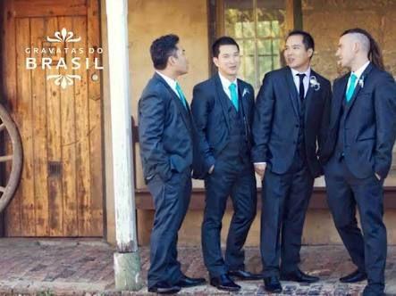 Resultado de imagem para terno preto e gravata azul turquesa ... 14f598a855e2