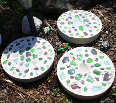 Garden Stepping Stones Ideas 10 ideas for stepping stones in your garden these round stepping stones surrounded by How To Make Beachy Garden Stepping Stones With Seaglass Shells And Pebbles Http