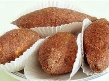 Kibe (snack with minced beef, bulgur wheat and spices)
