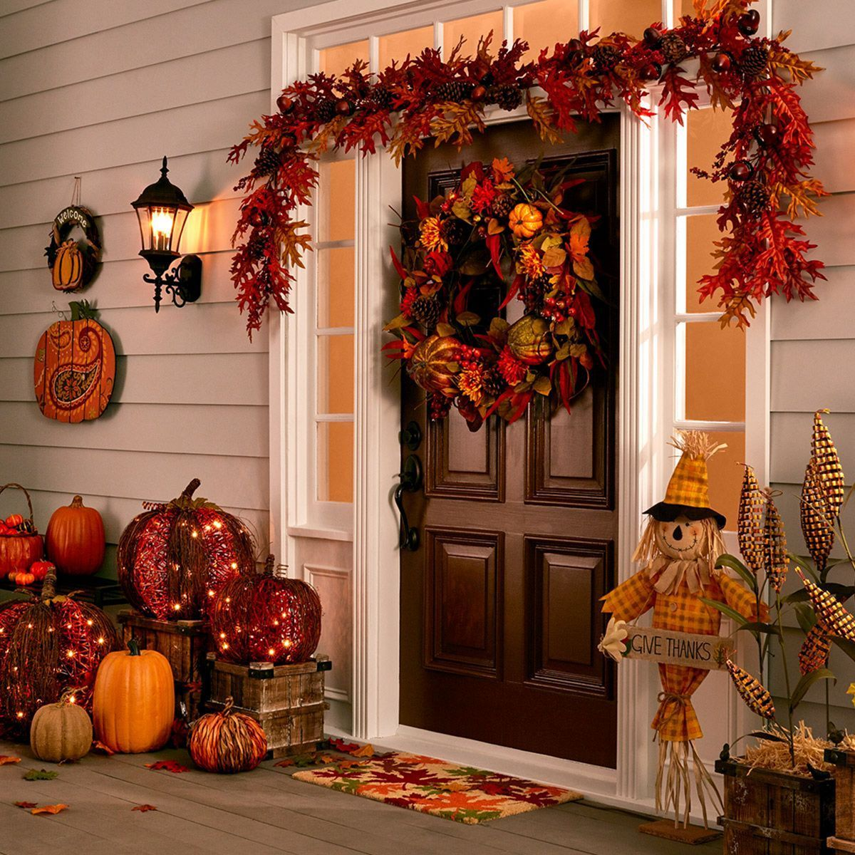 15 Beautiful Autumn Decoration Ideas For The Beauty Of Your Home Thanksgiving Decorations Outdoor Autumn Decorating Fall Decorations Porch
